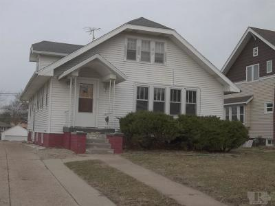Marshalltown IA Single Family Home For Sale: $79,500