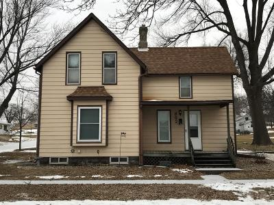 Tama Single Family Home For Sale: 802 Wilson Street