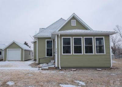 Marshalltown Single Family Home For Sale: 203 N 15 Th Street