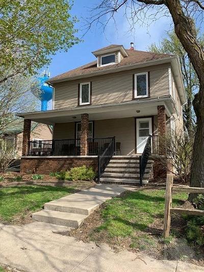 Montezuma IA Single Family Home For Sale: $180,000