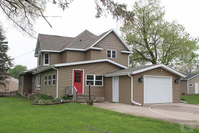 Grinnell Single Family Home For Sale: 1303 Spencer Street