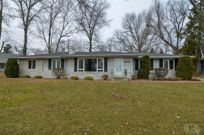 Grinnell Single Family Home For Sale: 2025 Country Club Drive