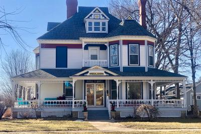 Grinnell Single Family Home For Sale: 803 High Street