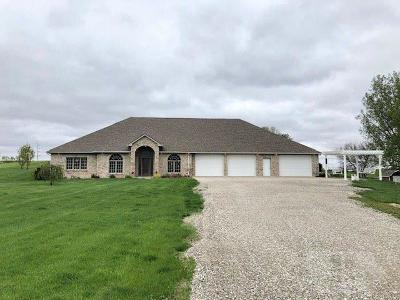 Grinnell Single Family Home For Sale: 1764 Hwy T38 #40
