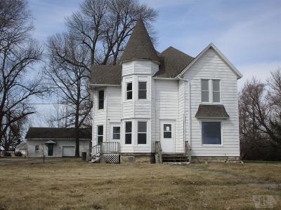 Montezuma IA Single Family Home For Sale: $43,900