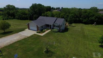 Grinnell Single Family Home For Sale: 1764 Hwy T 38 N #100