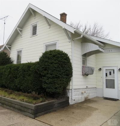 Marshalltown Single Family Home For Sale: 303 E Linn Street