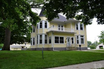 Toledo Single Family Home For Sale: 301 N Center Street