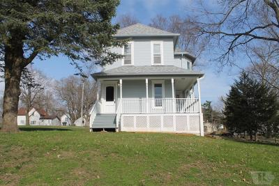Toledo Single Family Home For Sale: 505 S East
