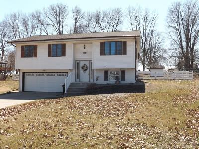 Marshalltown IA Single Family Home For Sale: $139,000