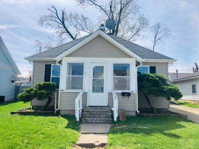 Single Family Home For Sale: 411 Swayze Street