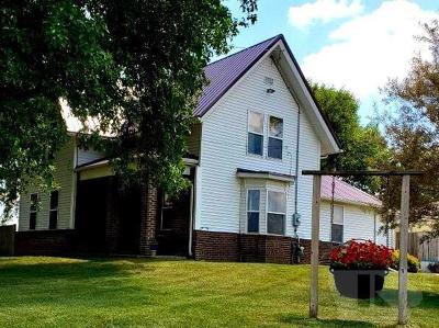 Marshalltown Single Family Home For Sale: 1001 E Olive Street