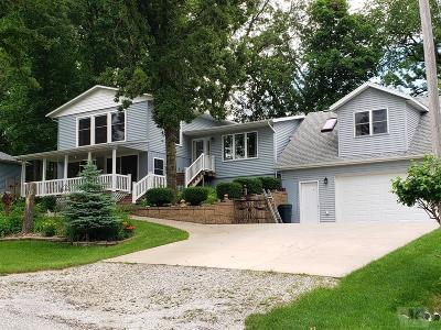 Brooklyn Single Family Home For Sale: 3212 E Lakeshore Drive E