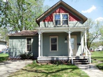 Grinnell Single Family Home For Sale: 1008 East Street