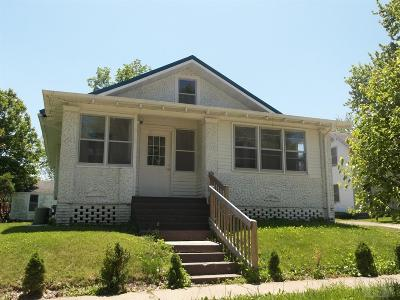 Marshalltown Single Family Home For Sale: 610 W Boone Street