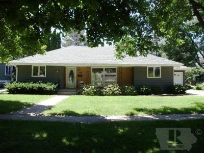 Grinnell Single Family Home For Sale: 1315 Summer Street