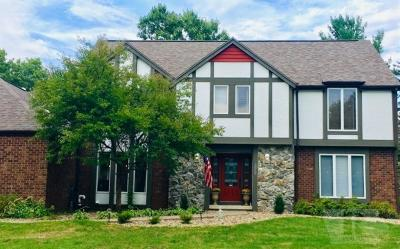 Marshalltown Single Family Home For Sale: 1710 Country Club Place