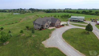 Grinnell Single Family Home For Sale: 4445 Hwy 146