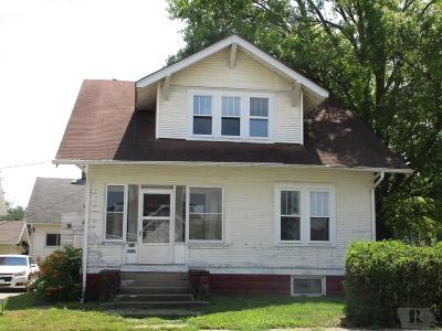 Marshalltown IA Single Family Home For Sale: $71,900