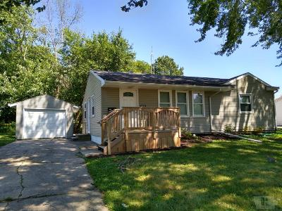 Grinnell Single Family Home For Sale: 1010 Fairfield Street