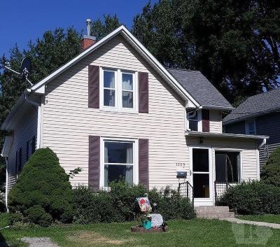 Grinnell Single Family Home For Sale: 1223 Spencer