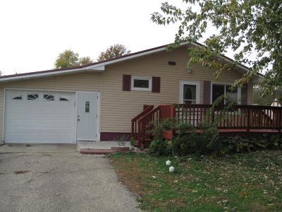 Tama Single Family Home For Sale: 707 Beautiful