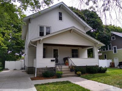 Grinnell Single Family Home For Sale: 918 Center Street