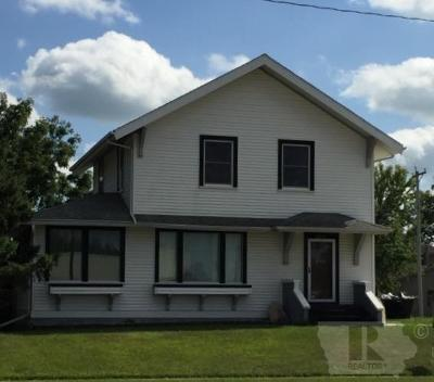 Single Family Home For Sale: 1609 Edgington Avenue