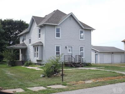 Grinnell Single Family Home For Sale: 9125 Center Street