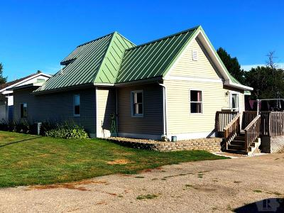 Single Family Home For Sale: 102 E Benton Street
