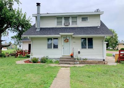 Marshalltown IA Single Family Home For Sale: $104,900