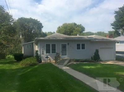 Marshalltown IA Single Family Home For Sale: $104,500