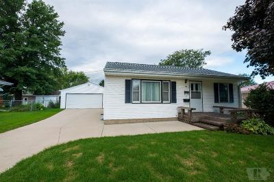 Marshalltown IA Single Family Home For Sale: $92,500