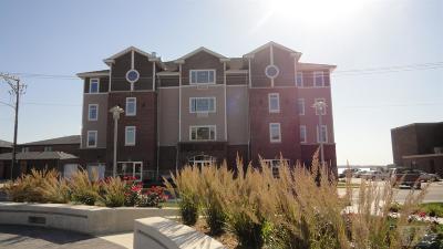 Clear Lake Condo/Townhouse For Sale: 475 North Shore Drive #2E