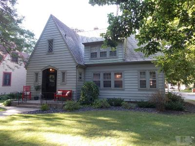 Mason City Single Family Home For Sale: 1104 W State Street