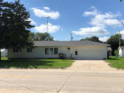 Britt Single Family Home For Sale: 542 S Main Ave.