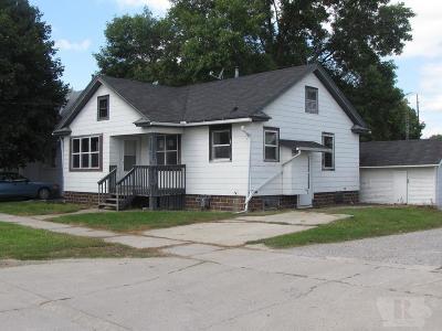 Mason City Single Family Home For Sale: 112 16th Street SE