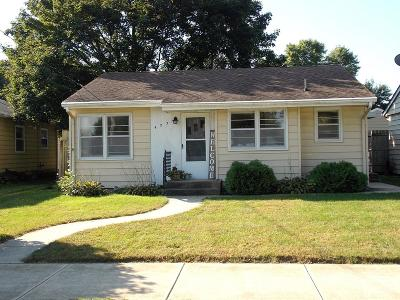 Mason City Single Family Home For Sale: 423 26 Street SW