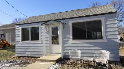 Clear Lake IA Single Family Home For Sale: $111,000