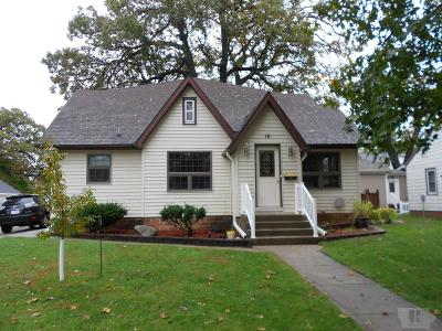 Clear Lake IA Single Family Home For Sale: $189,900