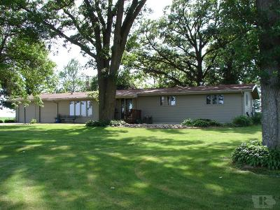 Clear Lake IA Single Family Home For Sale: $324,800