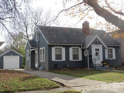 Mason City Single Family Home For Sale: 743 2nd SW