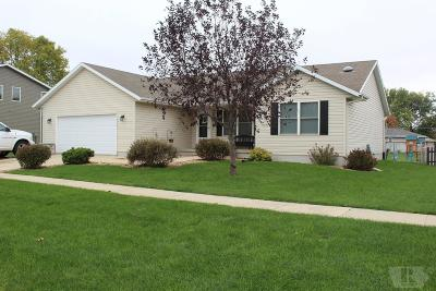 Garner Single Family Home For Sale: 350 W Henschen Street