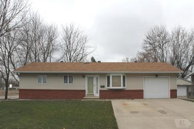 Garner Single Family Home For Sale: 7 Parkwood Place