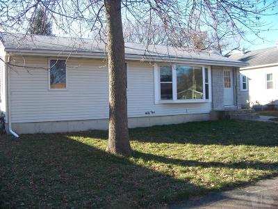 Mason City Single Family Home For Sale: 689 13th Street SE