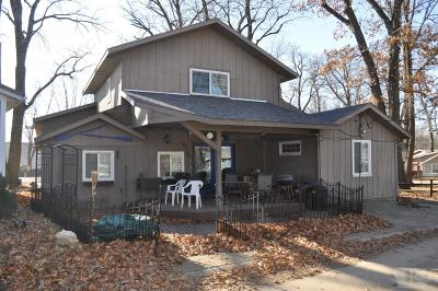 Clear Lake IA Single Family Home For Sale: $199,900