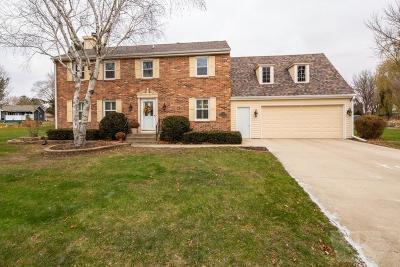 Mason City Single Family Home For Sale: 32 Concord Lane