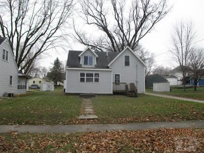 Mason City Single Family Home For Sale: 221 13th Street SE