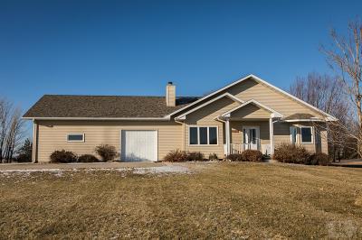Clear Lake IA Single Family Home For Sale: $395,000