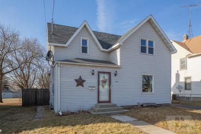 Mason City Single Family Home For Sale: 1430 N Madison Avenue